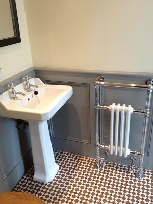 Classic and modern mix bathroom installation